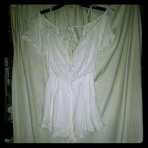GUC free people white lace embroidered romper xs